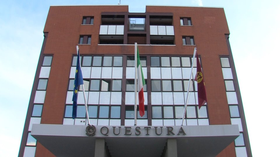 Rimini, tenta di stuprarla puntandole un coltello alla gola: salvata da un vicino