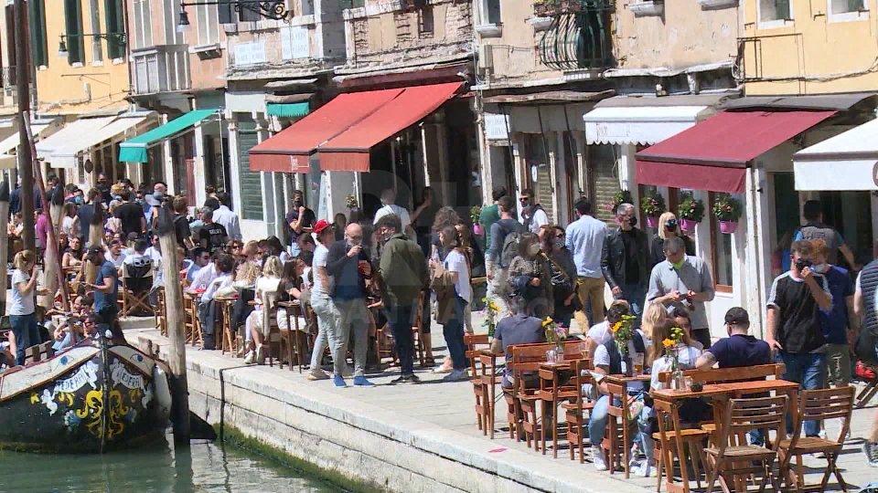 """Covid, Italia verso la normalità: oggi le prime regioni """"bianche"""""""