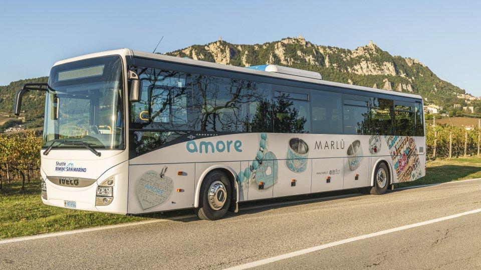 """""""Gruppo Bonelli Bus & Benedettini"""" rinnovano il loro collegamento quotidiano su gomma tra il Titano e la spiaggia di Rimini"""