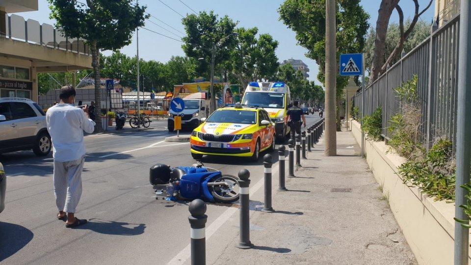 Incidente tra auto e scooter a Marebello: 25enne finisce al Bufalini