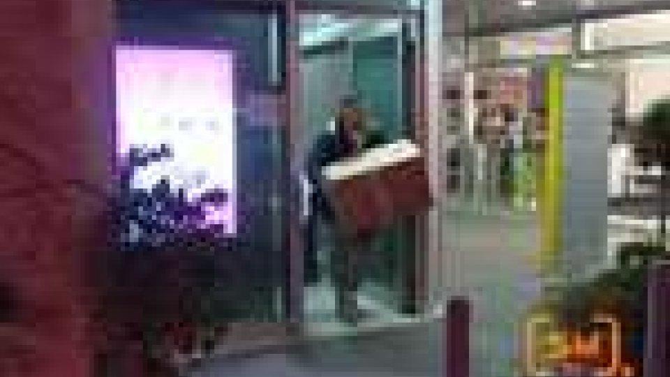 San Marino - Perquisita la Banca Commerciale. Massimo riserbo degli inquirenti sul blitz