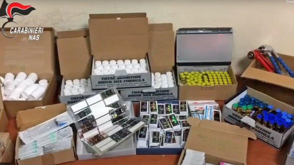 Rimini: arrestato 47enne per spaccio, sequestrati 700mila euro di prodotti dopanti