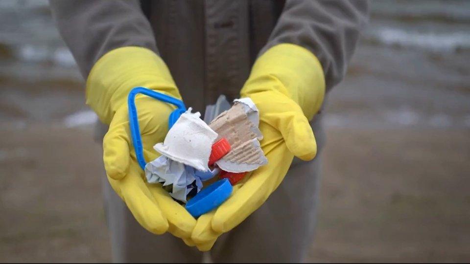 Plastica monouso: in vigore da oggi la diretta Ue che ne vieta l'immissione nel mercato