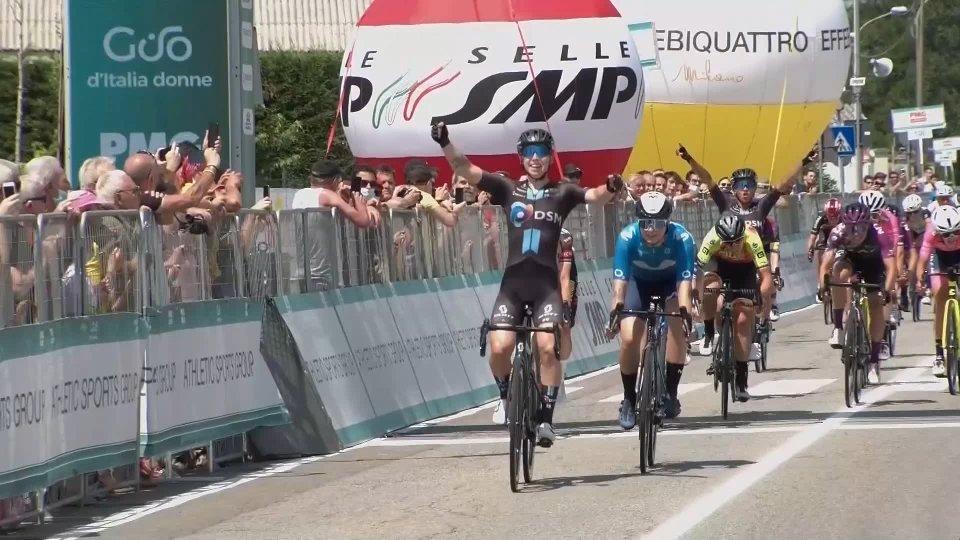 Tour de France, Van Aert conquista il Ventoux