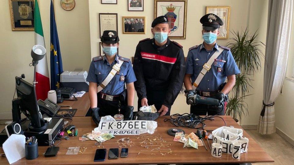 Ladri in appartamento mentre gioca l'Italia: fermata banda di pregiudicati