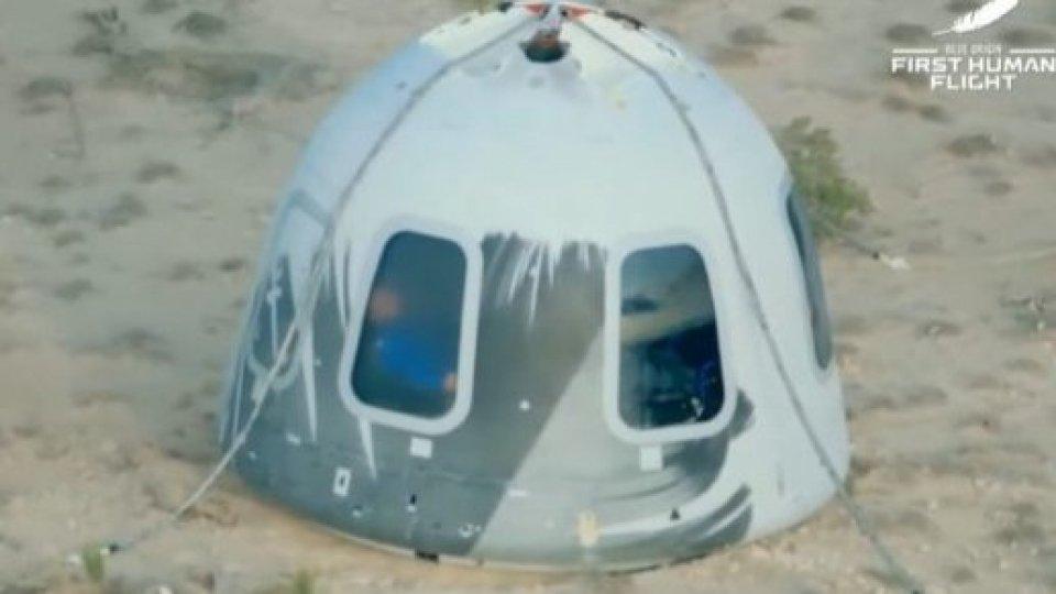 Jeff Bezos: concluso con successo il primo volo turistico nello spazio