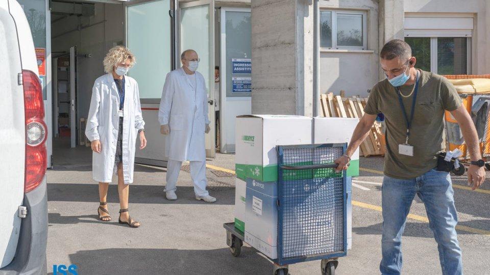 San Marino consegna all'Italia oltre 8mila dosi di vaccino Pfizer