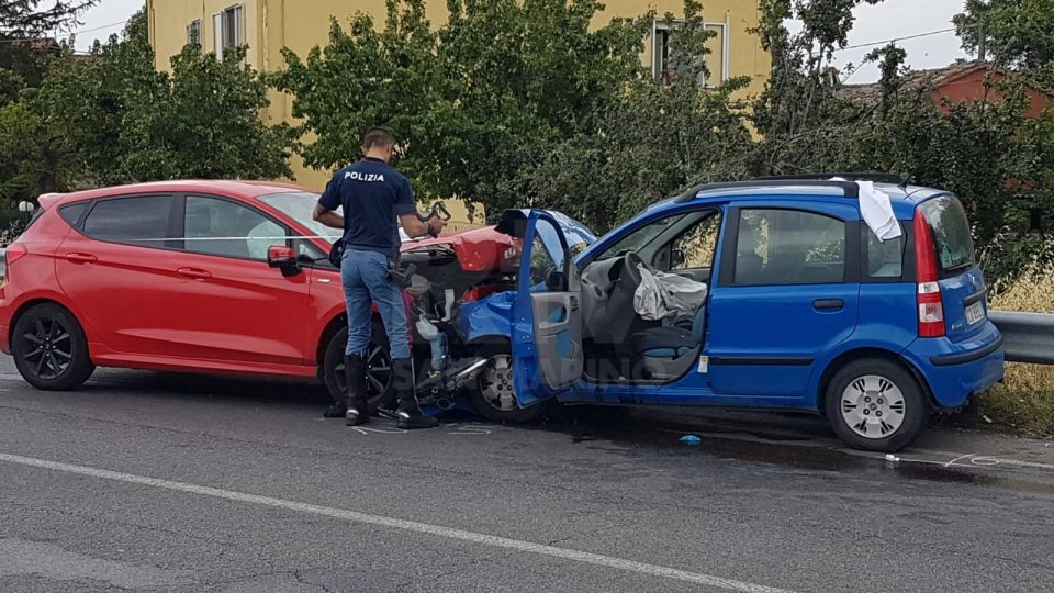 Frontale a San Giovanni in Marignano, necessario l'arrivo dell'elisoccorso