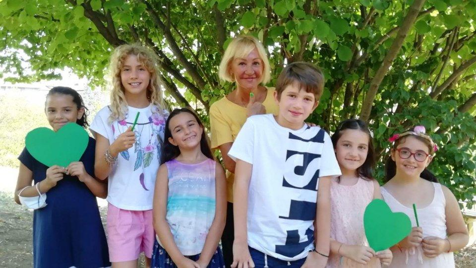 Foto @San Marino Green Festival. Milena Ercolani e alcuni suoi allievi della quarta classe elementare di Ca Ragni