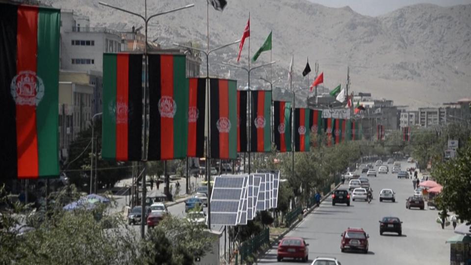 Afghanistan, talebani a 50 chilometri da Kabul; il Canada accoglierà 20mila rifugiati