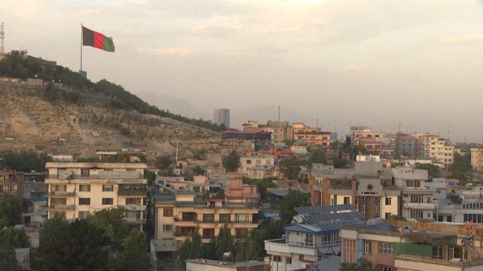 Afghanistan: talebani a una manciata di chilometri da Kabul. Caos nella Capitale
