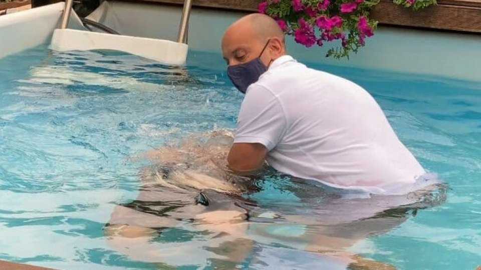 San Marino, il battesimo dei Testimoni di Geova avviene in una piscina privata