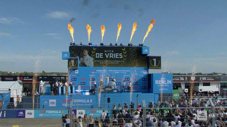 Nyck De Vries si laurea campione di Formula E. Dal prossimo anno grossi cambiamenti
