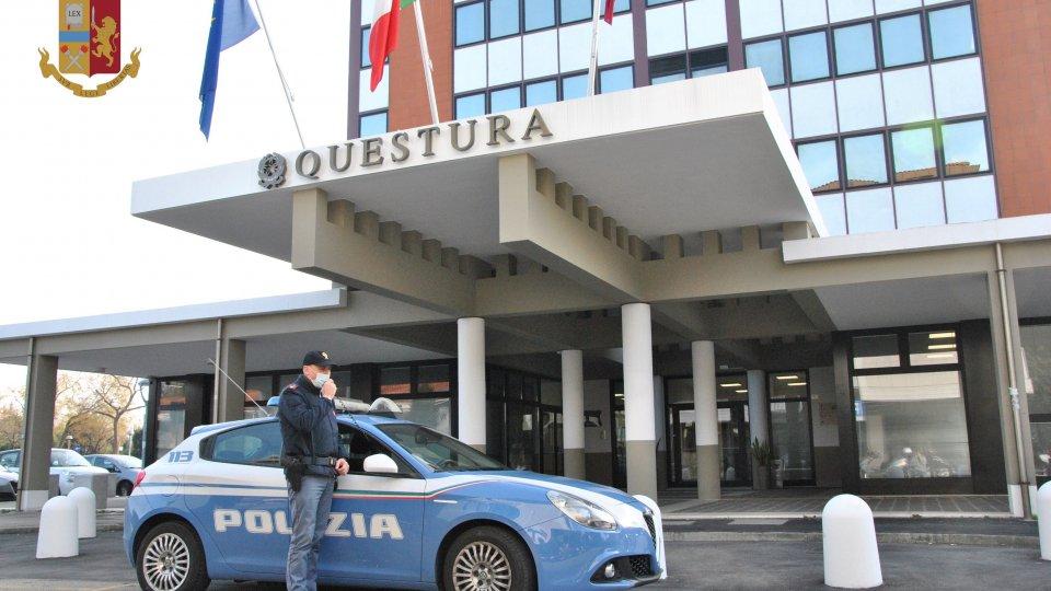 Rimini: quindicenne aggredita mentre torna a casa, 'violentata'