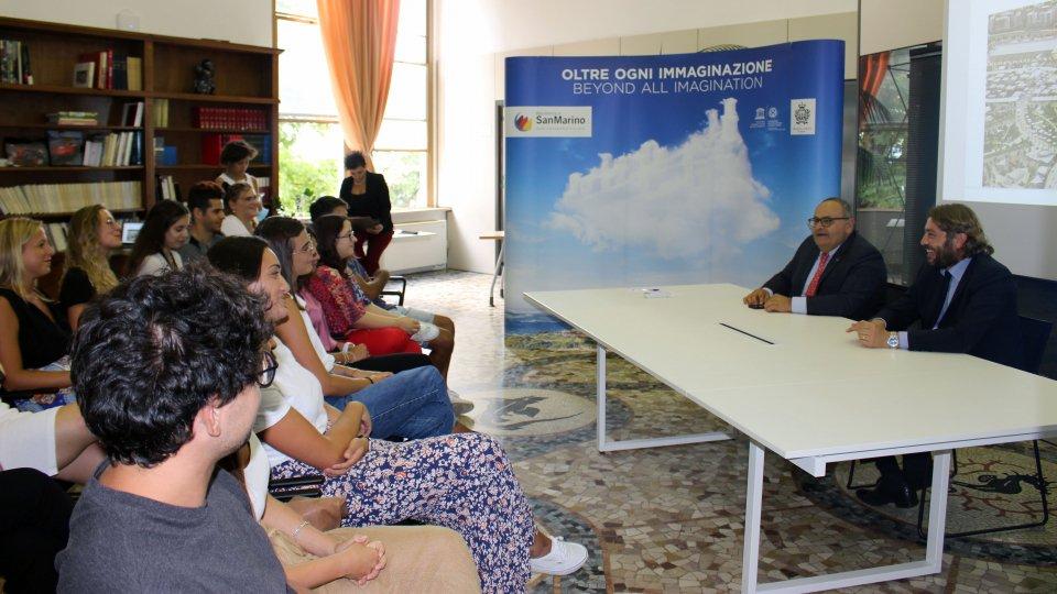 I volontari del padiglione San Marino incontrano il Segretario al Turismo e l'Expo Federico Pedini Amati