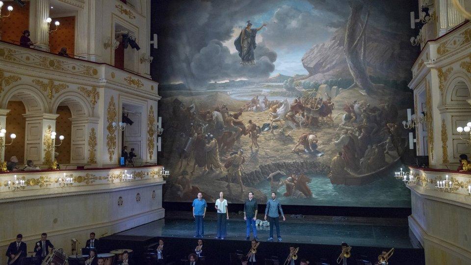 Applausi a Rimini per Aroldo, serata dedicata a Gino Strada