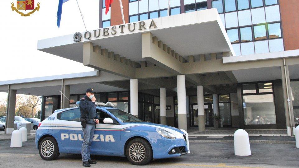 Aggressione e rapina a turisti 17enni a Riccione, tre arresti