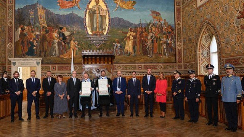 Segreteria Affari Esteri: Conferimento Onorificenze della Repubblica Italiana agli Ecc.mi Capitani Reggenti