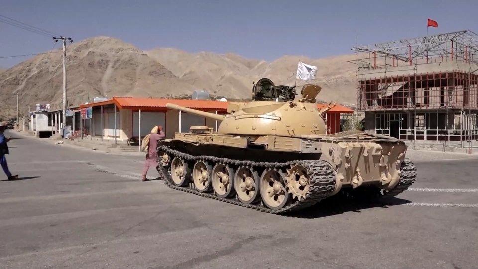 """Talebani: """"il governo sarà annunciato a breve, a Dio piacendo"""""""