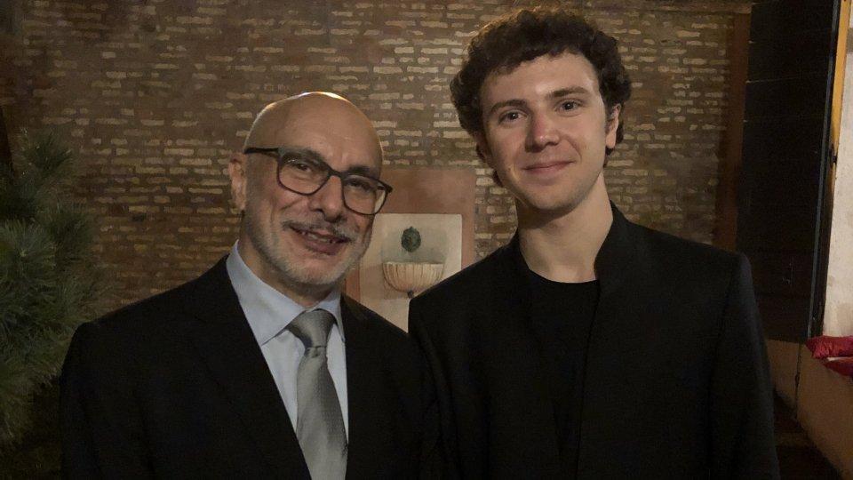 """Il violoncellista Francesco Stefanelli premiato al """"Premio Internazionale Claudio Scimone"""""""