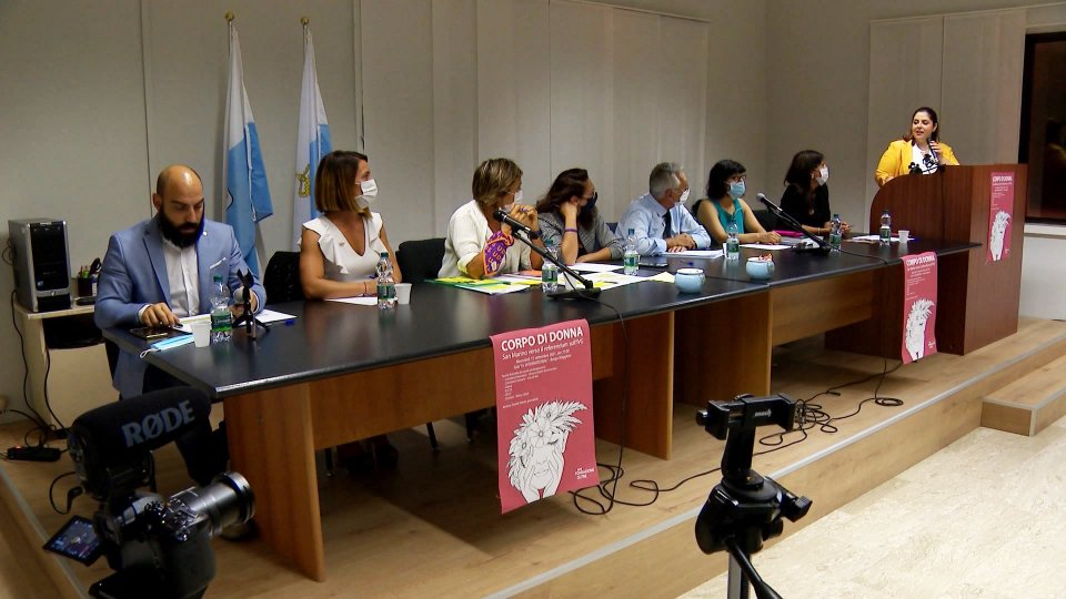 Nel video le interviste a Vanessa D'Ambrosio, Fondazione OLTRE; Gloria Giardi, Comitato per il SÌ; Antonella Mularoni, Comitato per il NO.