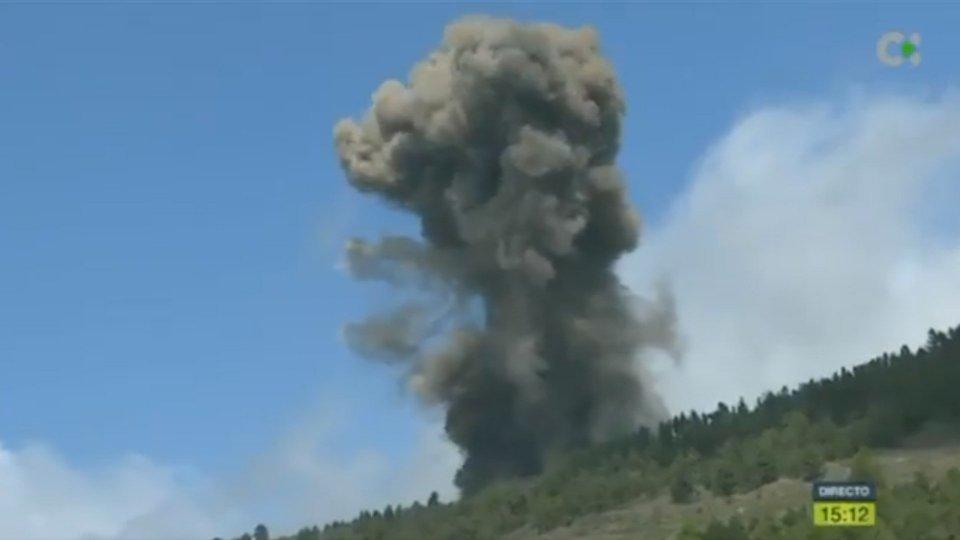 Canarie: erutta il vulcano Cumbre Vieja