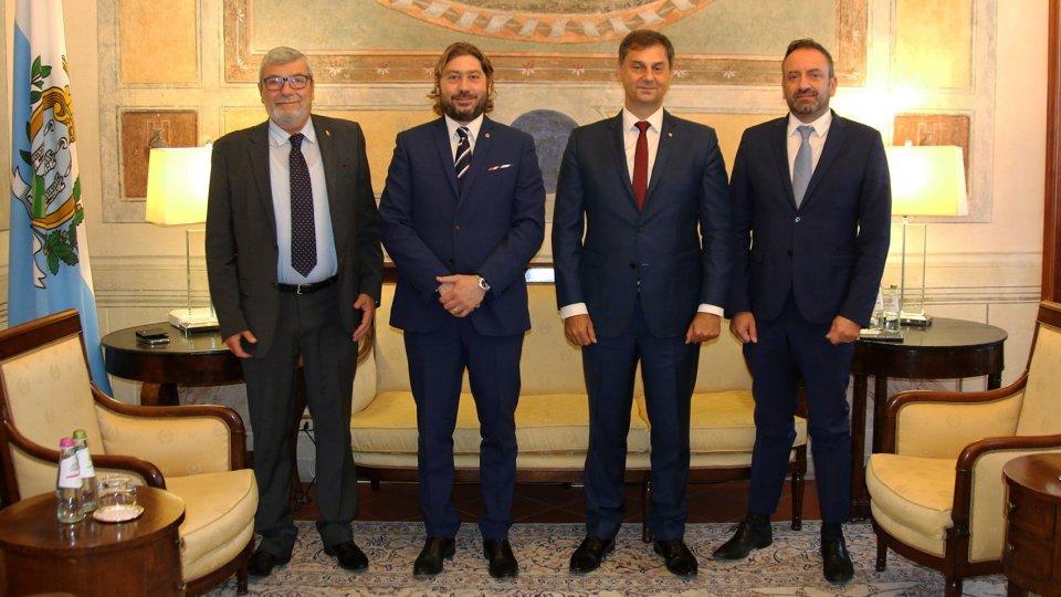 L'ex Ministro greco Theoharis Theoharis in visita sul Titano