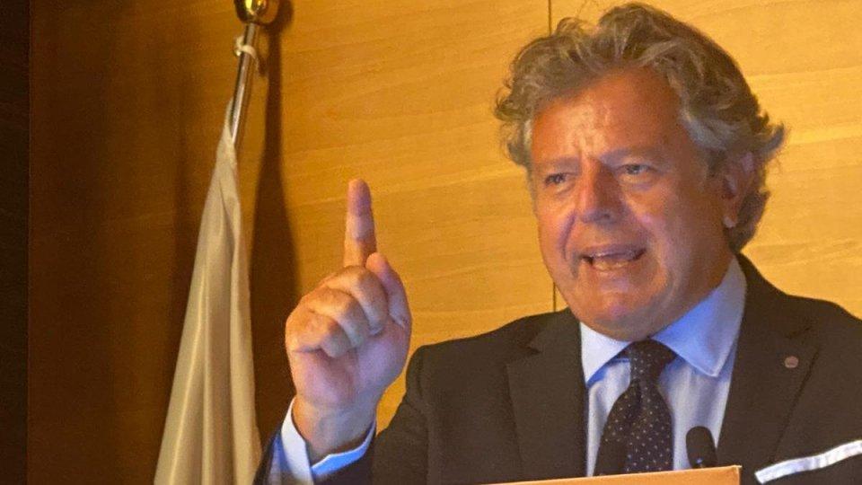 """Gianni Indino, presidente SILB-Fipe dell'Emilia Romagna: """"Il CTS, a quanto appreso, ha dato parere negativo per la riapertura dei locali da ballo. Cosa farà la politica adesso?"""""""