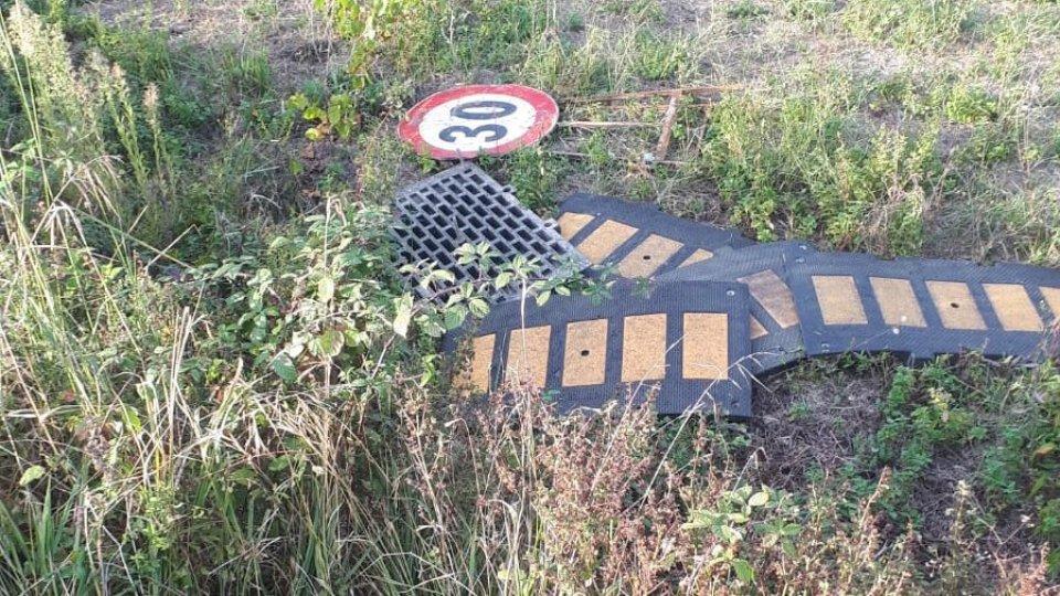Comune di Coriano contro vandali di via Caduti di Nassirya