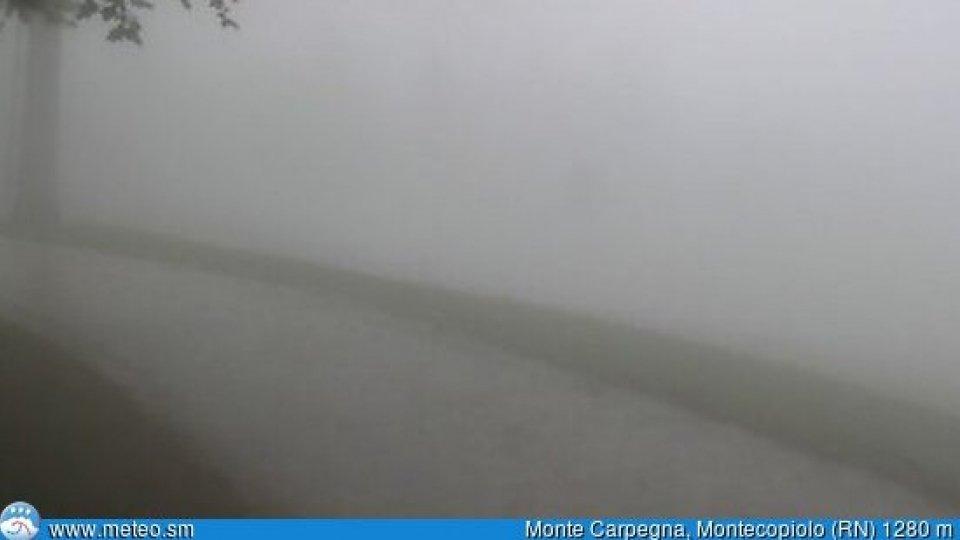 Freddo e pioggia: primi fiocchi sul Carpegna