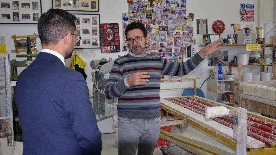 Il Segretario di Stato all'Industria e al Commercio Fabio Righi in visita a Barbò Ceramica, laboratorio artigianale d'eccellenza che promuove l'inclusione sociale e lavorativa