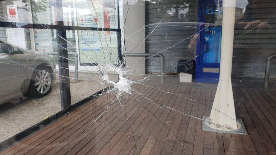 Bar 92: atto vandalico, preso di mira il dehor