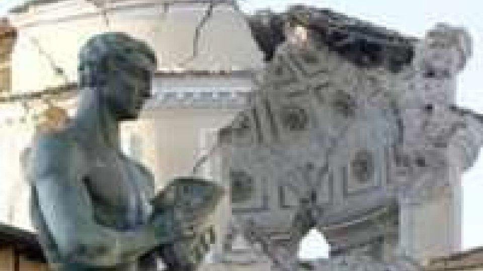 Anniversario del sisma a L'Aquila: fiaccolata e 309 rintocchi
