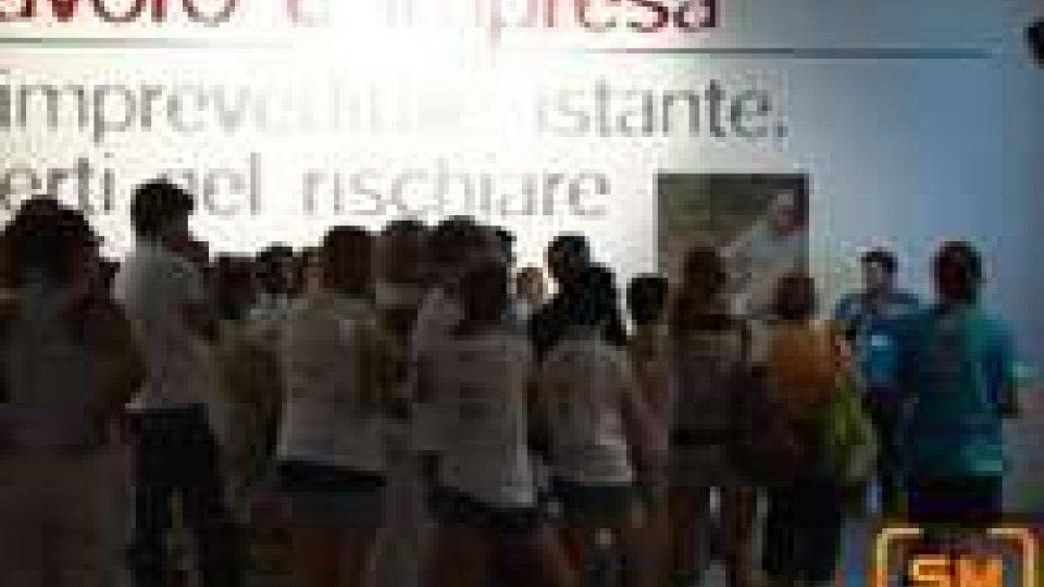 """""""Imprevedibili istanti"""" - la mostra del Meeting dedicata ai giovani e alla crisi"""