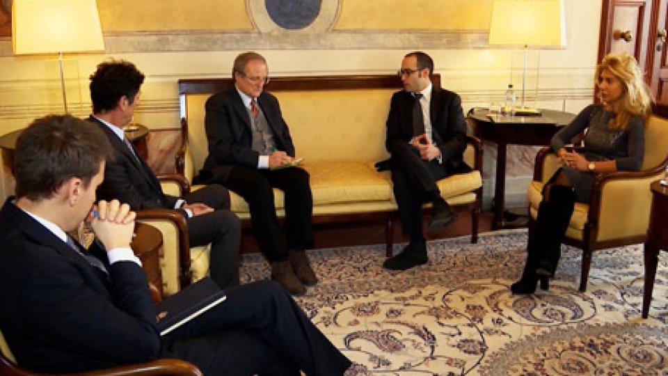 """L'incontro di oggiCaos targhe estere: questione aperta, Renzi auspica """"Scambio di Note, mirato ad una sospensione della norma"""""""