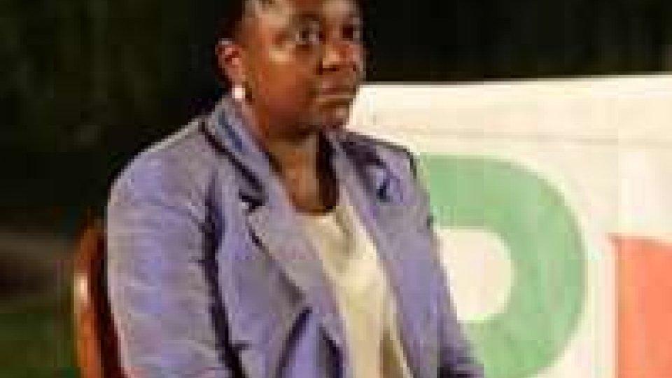 """Solidarietà dei politici alla Kyenge: """"gli italiani sono con te"""""""