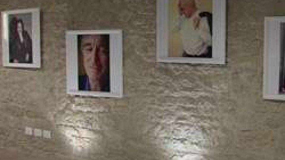 Mostra fotografica SAN MARINO MARLU'SHUT: occhi chiusi dei vip in mostra