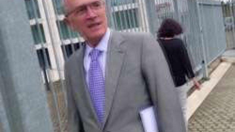 Giuseppe RobertiProcesso 'Mazzini': la difesa Roberti chiede l'assoluzione e il dissequestro del denaro e dei beni