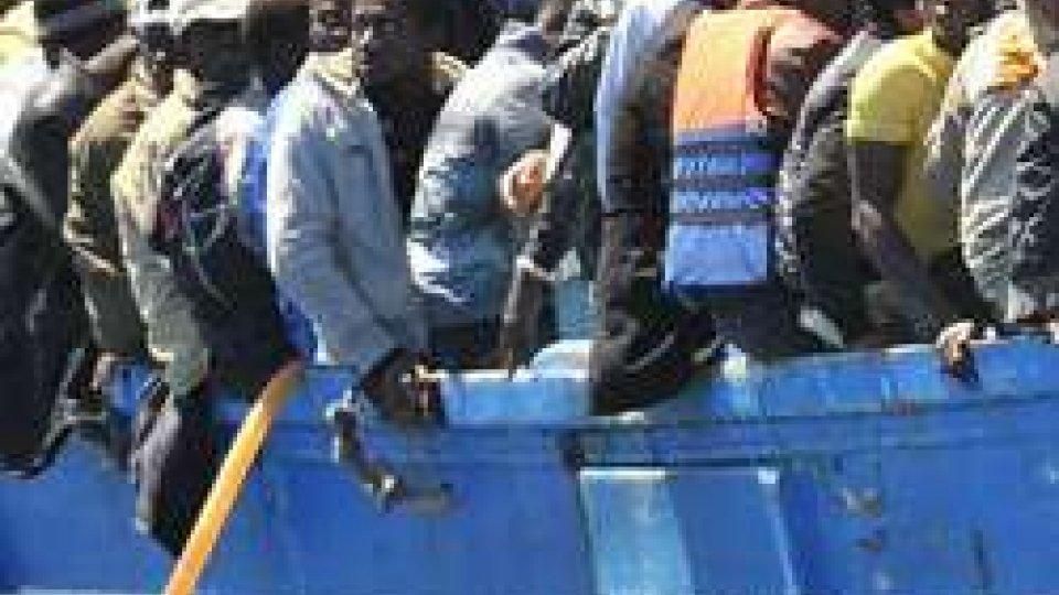 barcone Migranti (ph Ansa)