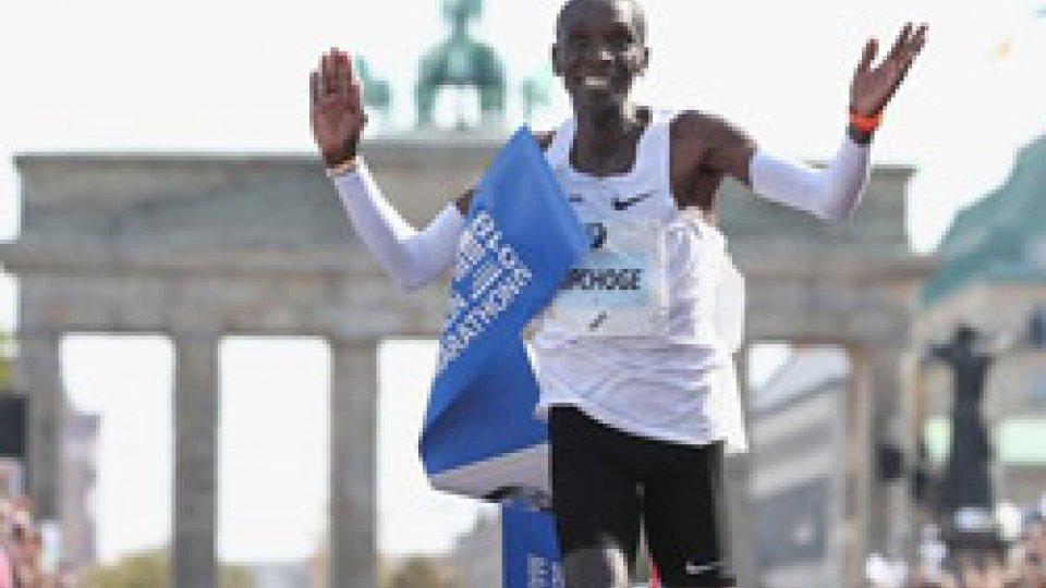 Eliud KipchogeKipchoge vince con record del mondo
