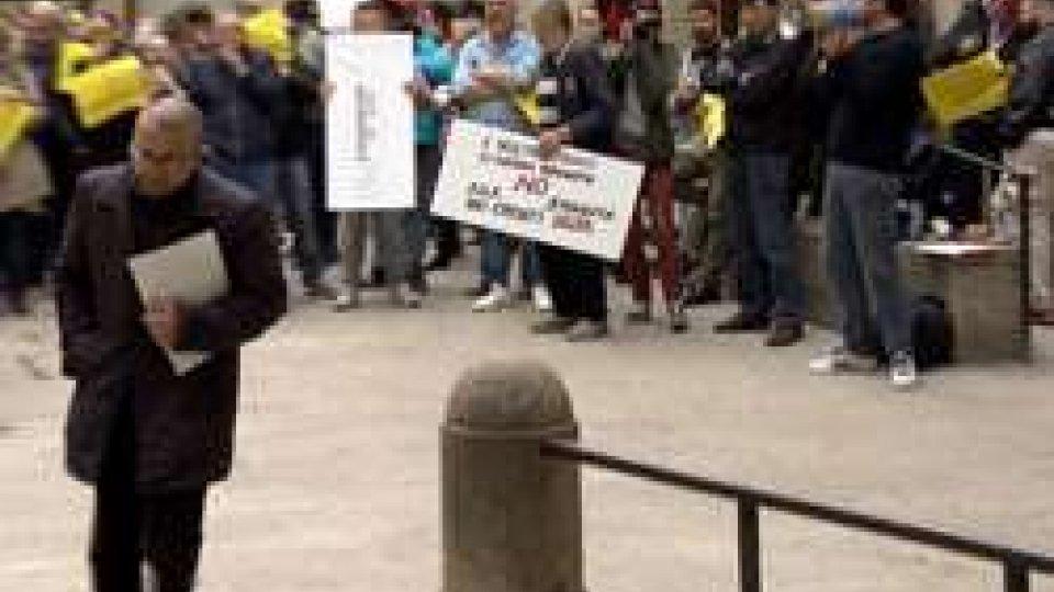 Nel servizio intervista ad Alessandro RossiCrediti Delta: una cinquantina di persone a manifestazione di protesta. Intervista a Alessandro Rossi