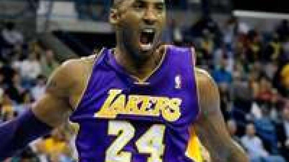NBA: nuova impresa Bryant, è il 4° marcatore di sempre
