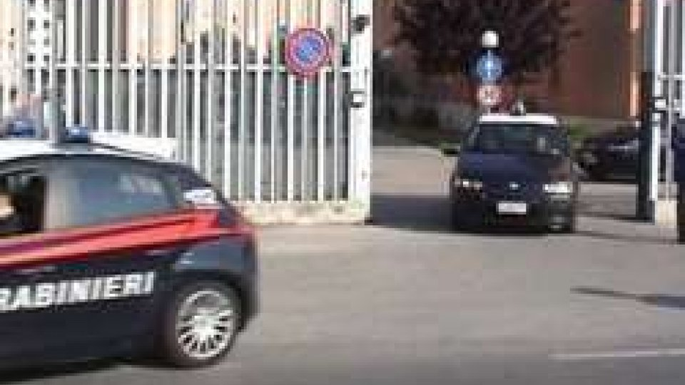 Rimini: maltrattamenti in casa, arrestato
