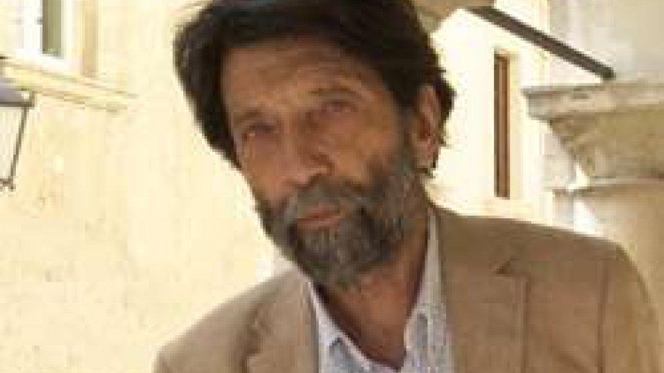 Massimo CacciariMassimo Cacciari: il futuro dell'UE nell'epoca del sovranismo