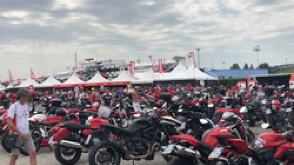 World Ducati WeekRiviera invasa da motociclisti per la World Ducati Week