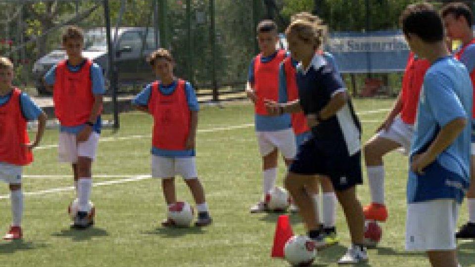 Veronica Brutti e gli allieviCampus ASC, l'istruttruce Veronica Brutti in visita ai ragazzi
