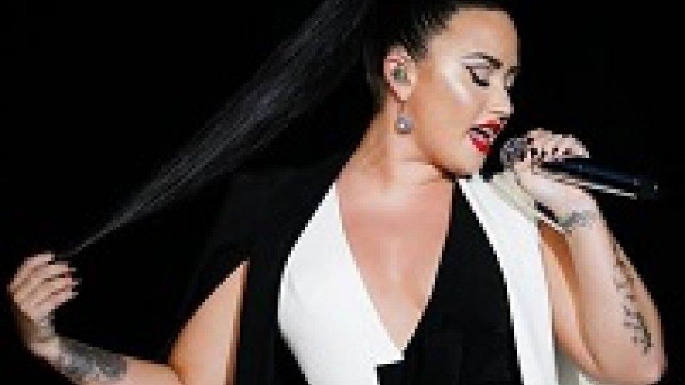 """Demi Lovato dopo overdose: """"Lotto ancora"""""""