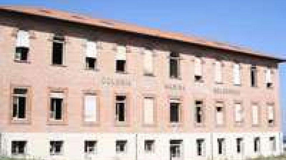 Rimini: controlli dei Carabinieri in colonia abbandonata, cinque denunce