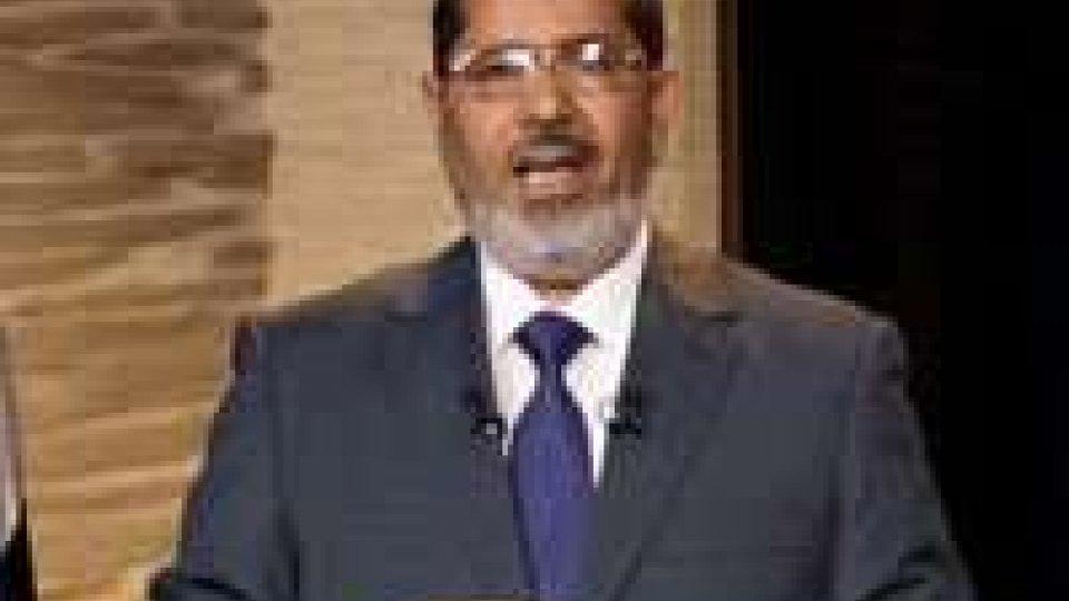 Egitto: Morsi blinda le sue decisioni