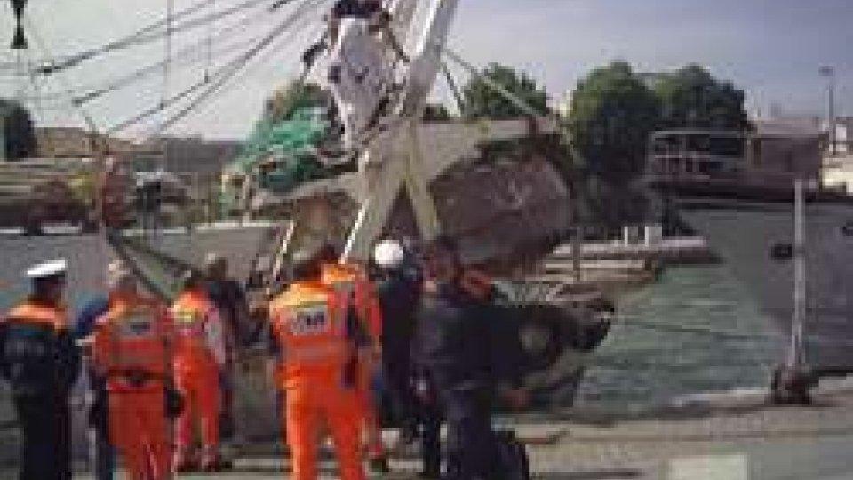 Rimini, pescatore tenta il suicidio: salvato da un poliziotto